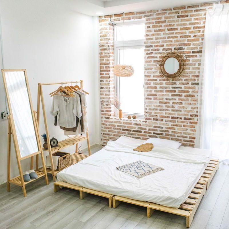 phòng ngủ bằng giường gỗ pallet