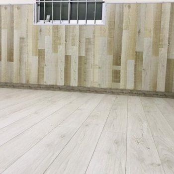 các mẫu lamri gỗ ốp tường