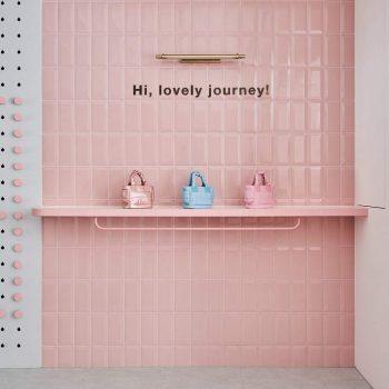 mẫu thiết kế cửa hàng balo và túi sách